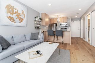 """Photo 5: 1409 977 MAINLAND Street in Vancouver: Yaletown Condo for sale in """"YALETOWN PARK 3"""" (Vancouver West)  : MLS®# R2595061"""