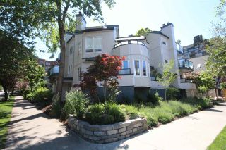 Photo 2: 103 1480 COMOX Street in Vancouver: West End VW Condo for sale (Vancouver West)  : MLS®# R2079978
