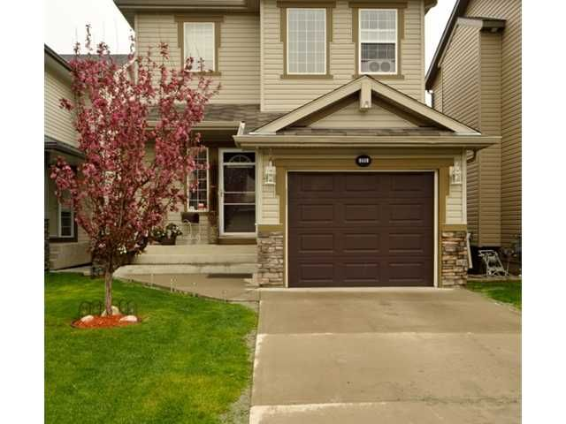Great Clean home with landscaping, easy to care for exterior