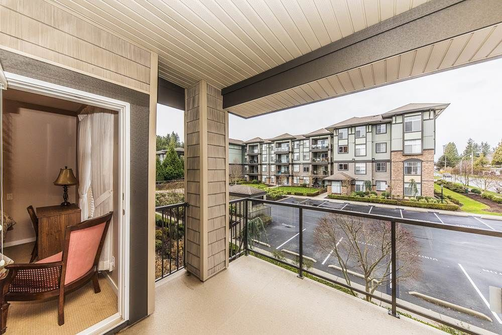 Photo 17: Photos: 211 33338 MAYFAIR Avenue in Abbotsford: Central Abbotsford Condo for sale : MLS®# R2327963