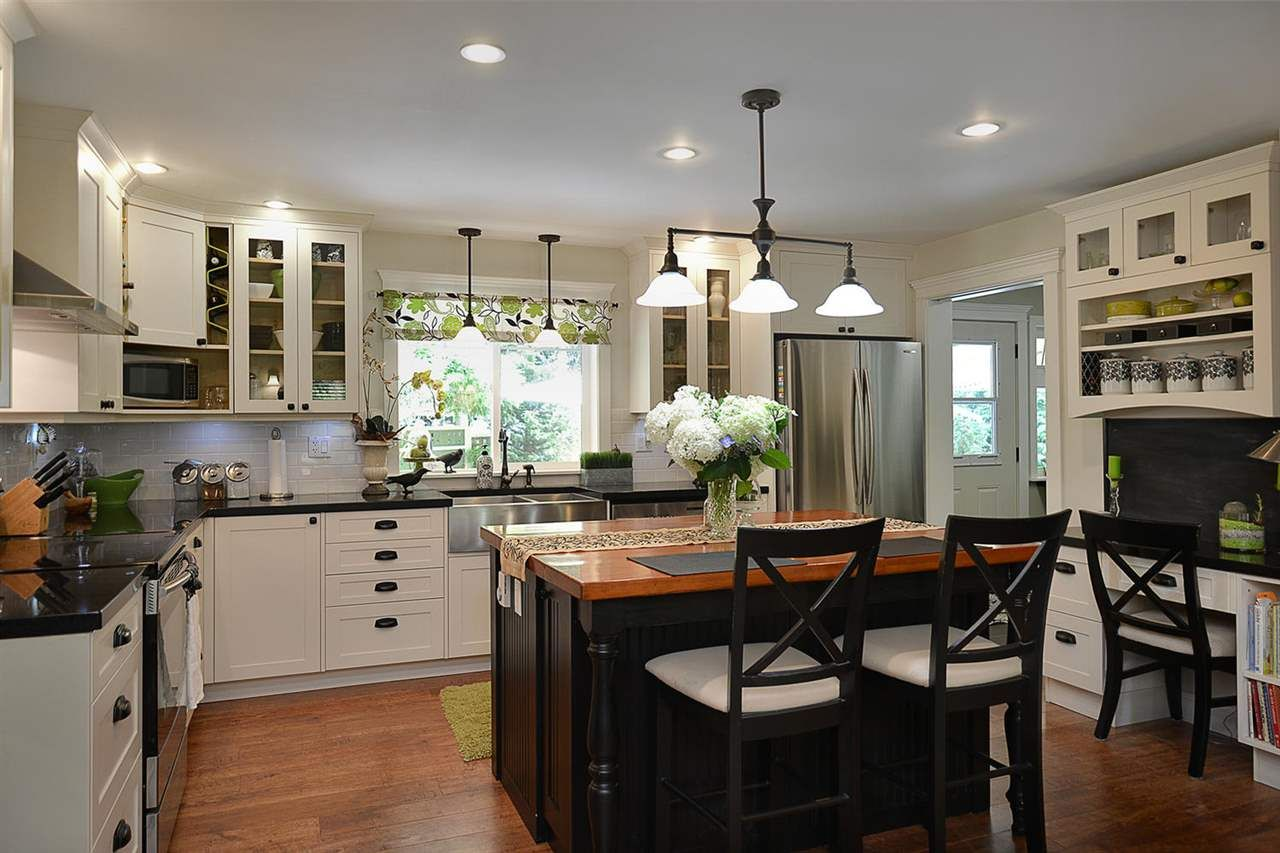 Photo 8: Photos: 5760 MASON Road in Sechelt: Sechelt District House for sale (Sunshine Coast)  : MLS®# R2090042