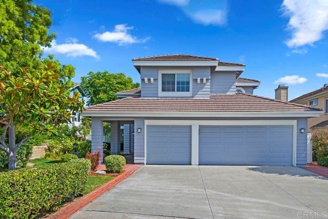 Main Photo: House for sale : 4 bedrooms : 568 Crest Drive in Encinitas