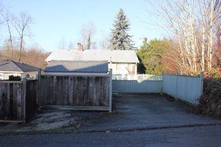 "Photo 3: 4098 KINCAID Street in Burnaby: Burnaby Hospital House for sale in ""Burnaby Hospital"" (Burnaby South)  : MLS®# R2490287"