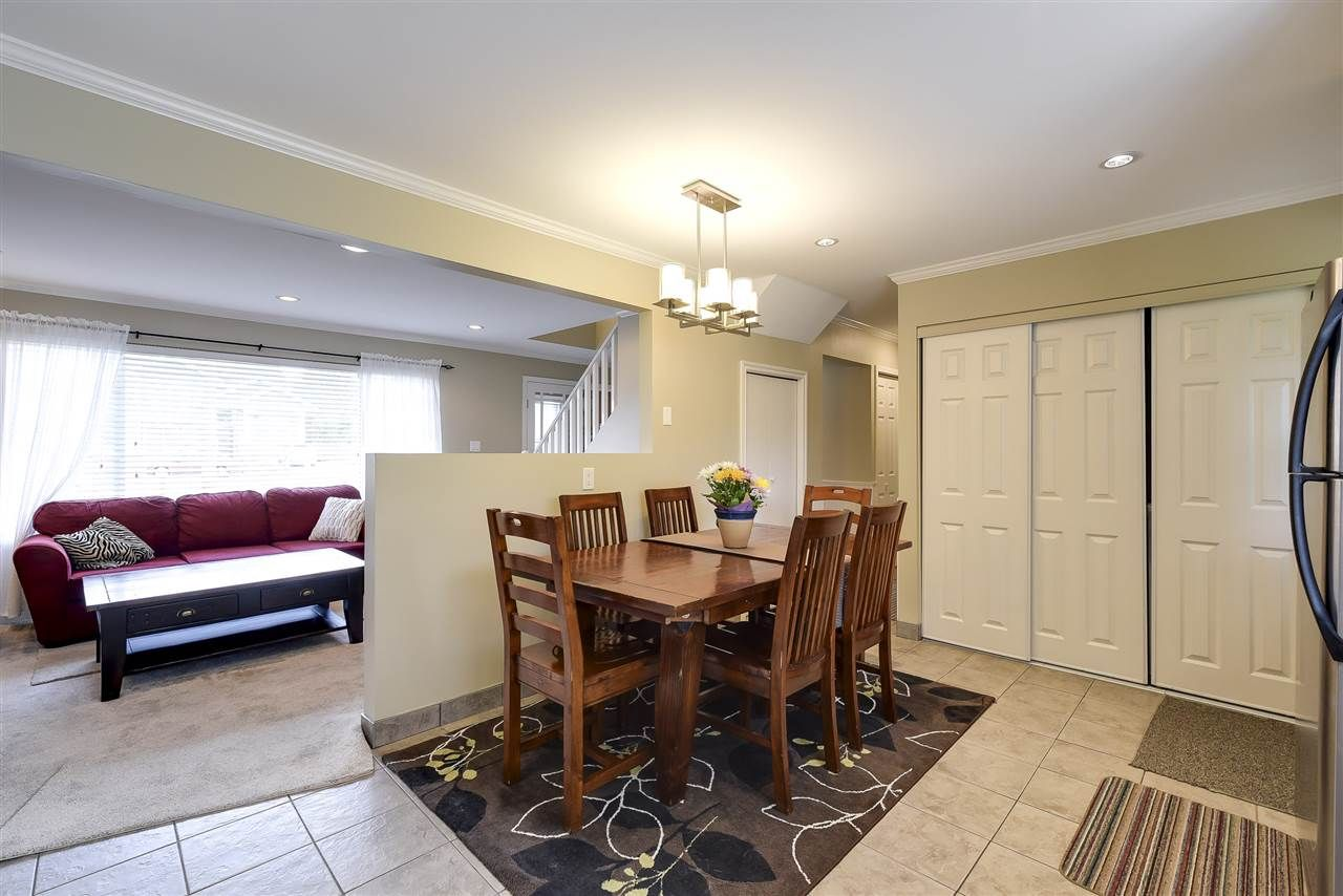 Photo 6: Photos: 4633 RILEY PLACE in Delta: Ladner Elementary House for sale (Ladner)  : MLS®# R2254168
