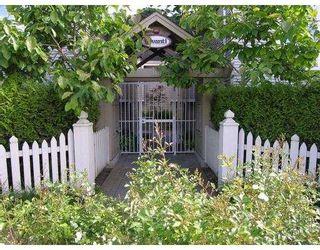 """Photo 1: 6 3160 W 4TH AV in Vancouver: Kitsilano Townhouse for sale in """"AVANTI"""" (Vancouver West)  : MLS®# V543093"""