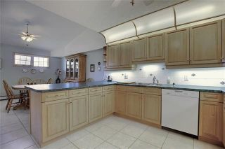 Photo 16: 235 6868 SIERRA MORENA Boulevard SW in Calgary: Signal Hill Apartment for sale : MLS®# C4301942