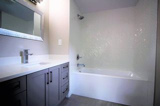 """Photo 6: 15 7790 KING GEORGE Boulevard in Surrey: East Newton Manufactured Home for sale in """"CRISPEN BAYS"""" : MLS®# R2426382"""