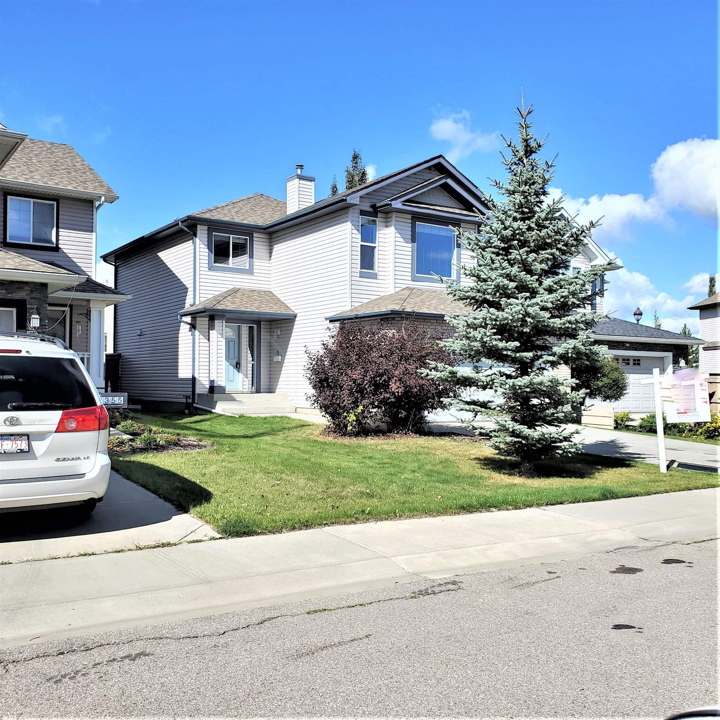 Main Photo: 8353 SHASKE Crescent in Edmonton: Zone 14 House for sale : MLS®# E4262275