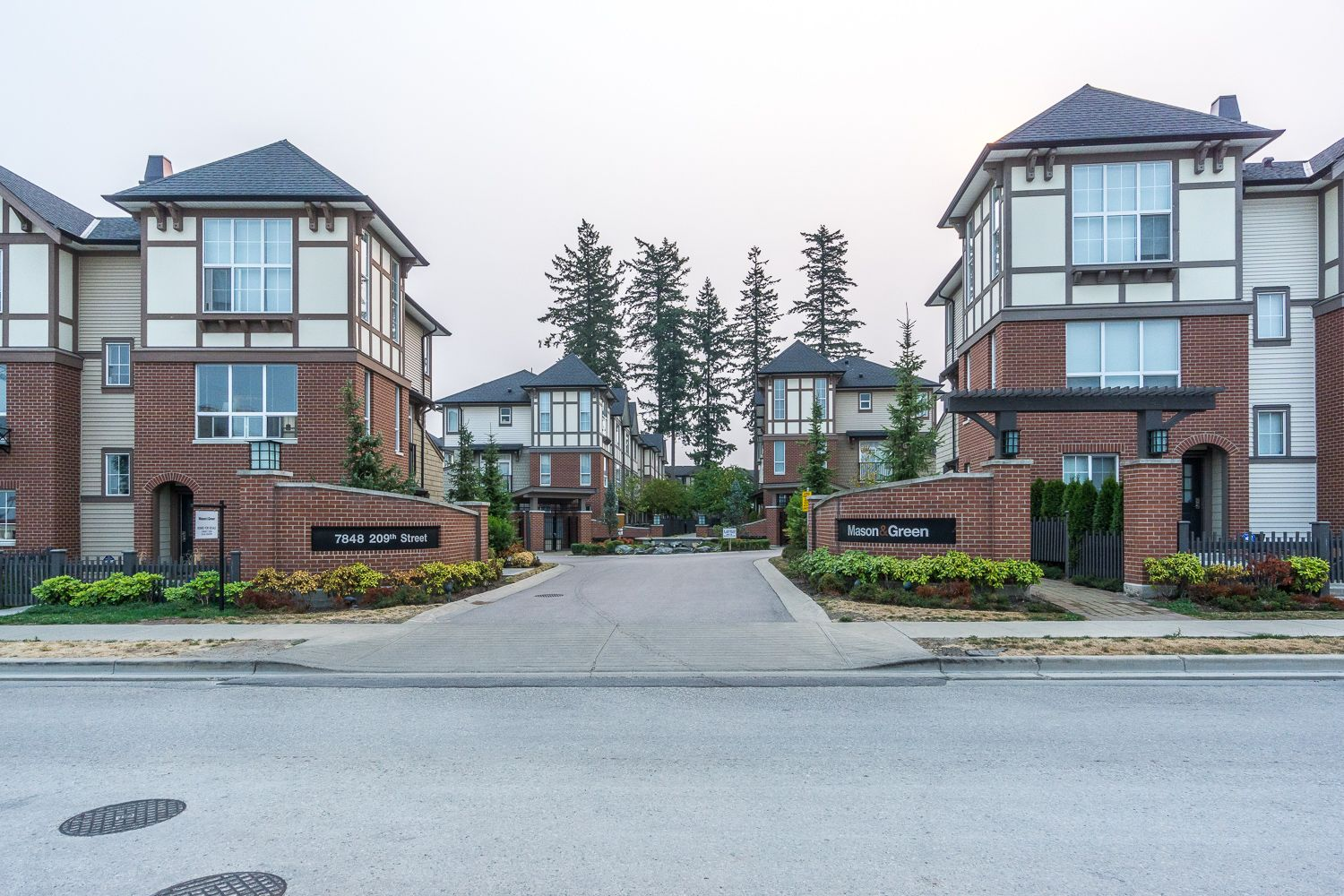"""Main Photo: 55 7848 209 Street in Langley: Willoughby Heights Townhouse for sale in """"Mason & Green"""" : MLS®# R2235766"""