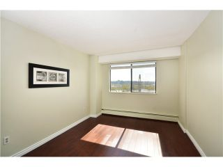 "Photo 5: 503 47 AGNES Street in New Westminster: Downtown NW Condo for sale in ""FRASER HOUSE"" : MLS®# V1002281"