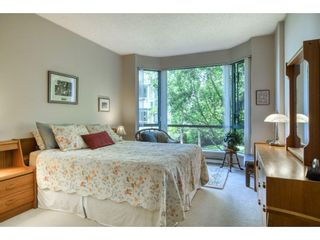 """Photo 18: 209 1785 MARTIN Drive in Surrey: Sunnyside Park Surrey Condo for sale in """"Southwynd"""" (South Surrey White Rock)  : MLS®# R2591811"""