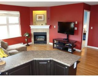 Photo 1: 215 1519 GRANT Ave in The Beacon: Glenwood PQ Home for sale ()  : MLS®# V810118