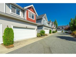 """Photo 2: 15 19977 71 Avenue in Langley: Willoughby Heights Townhouse for sale in """"SANDHILL VILLAGE"""" : MLS®# R2601914"""