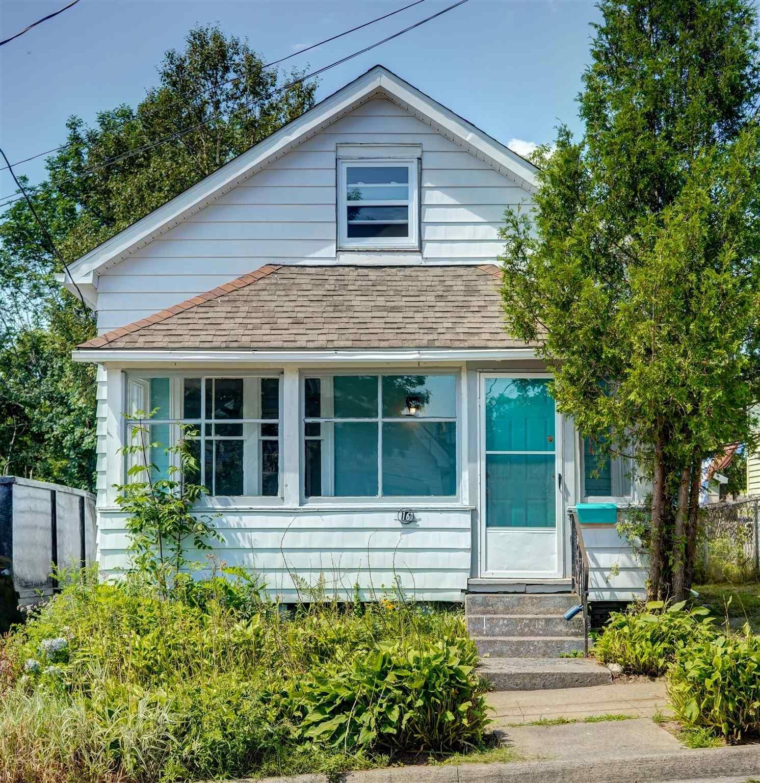 Main Photo: 16 Brookside Avenue in Dartmouth: 10-Dartmouth Downtown To Burnside Residential for sale (Halifax-Dartmouth)  : MLS®# 202121288