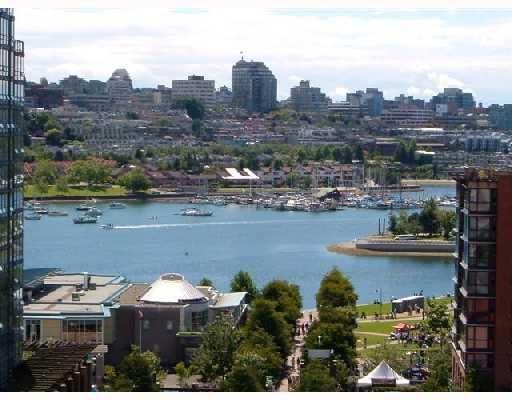 "Main Photo: 1509 189 DAVIE Street in Vancouver: False Creek North Condo for sale in ""AQUARIUS III"" (Vancouver West)  : MLS®# V695662"