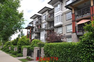 "Photo 1: 112 12075 EDGE Street in Maple Ridge: East Central Condo for sale in ""THE EDGE"" : MLS®# R2408779"