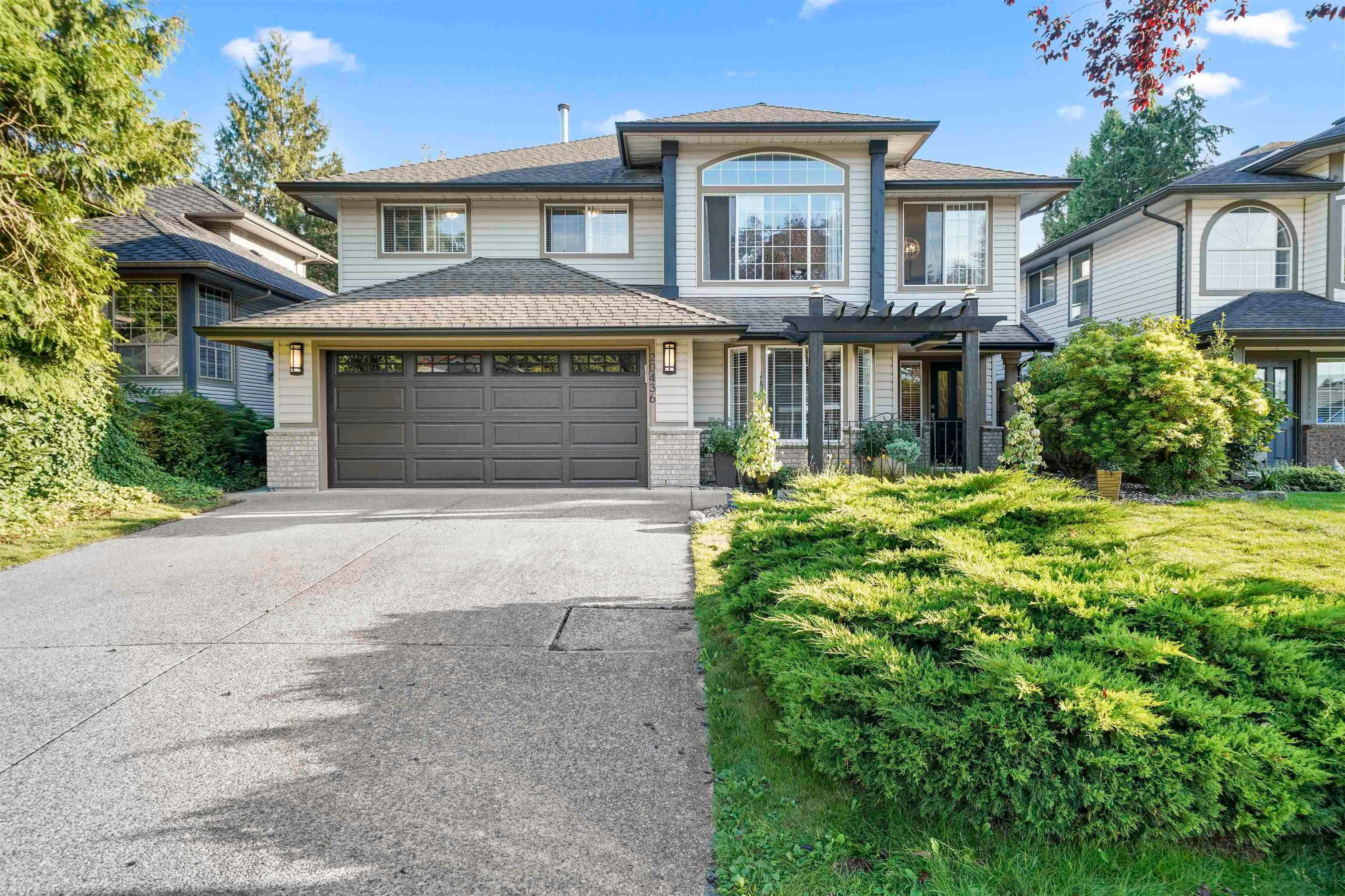 Main Photo: 20436 122B Avenue in Maple Ridge: Northwest Maple Ridge House for sale : MLS®# R2617976