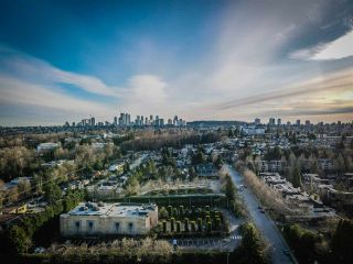 """Photo 2: 601 4025 NORFOLK Street in Burnaby: Central BN Townhouse for sale in """"NORFOLK TERRACE"""" (Burnaby North)  : MLS®# R2536428"""
