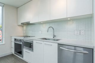 """Photo 7: 903 668 COLUMBIA Street in New Westminster: Quay Condo for sale in """"Trapp & Holbrook"""" : MLS®# R2292147"""