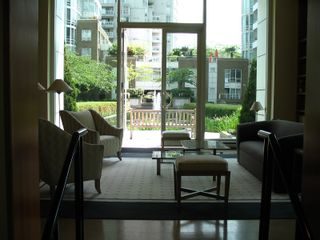 """Photo 17: 1408 1500 HORNBY Street in Vancouver: False Creek North Condo for sale in """"888 BEACH"""" (Vancouver West)  : MLS®# V720670"""