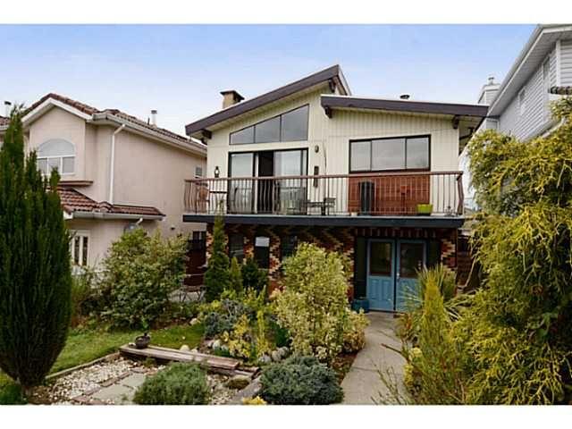 "Main Photo: 835 E 32ND Avenue in Vancouver: Fraser VE House for sale in ""FRASER"" (Vancouver East)  : MLS®# V1056460"