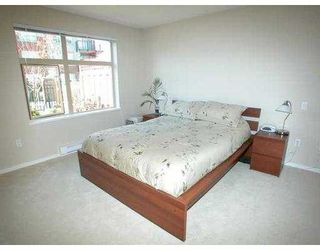 """Photo 2: 500 KLAHANIE Drive in Port Moody: Port Moody Centre Condo for sale in """"THE TIDES"""" : MLS®# V635966"""