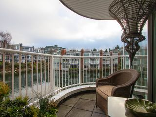"""Photo 11: 1592 ISLAND PARK Walk in Vancouver: False Creek Townhouse for sale in """"LAGOONS"""" (Vancouver West)  : MLS®# V1099043"""