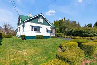 Photo 1: 46457 WOODLAND Avenue in Chilliwack: Chilliwack N Yale-Well House for sale : MLS®# R2559332