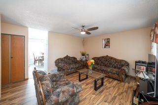 Photo 3: 9811 163 Avenue in Edmonton: Zone 27 House for sale : MLS®# E4226776