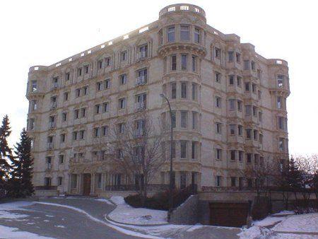 Main Photo: 302-160 Niakwa Rd.: Condominium for sale (St. Vital)  : MLS®# 2204105