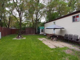 Photo 3: 617 Mobile Street: House for sale : MLS®# 1814232