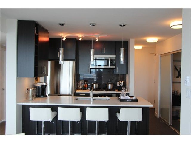 Main Photo: 2005 608 Belmont Street in New Westminster: Condo for sale : MLS®# V1074021