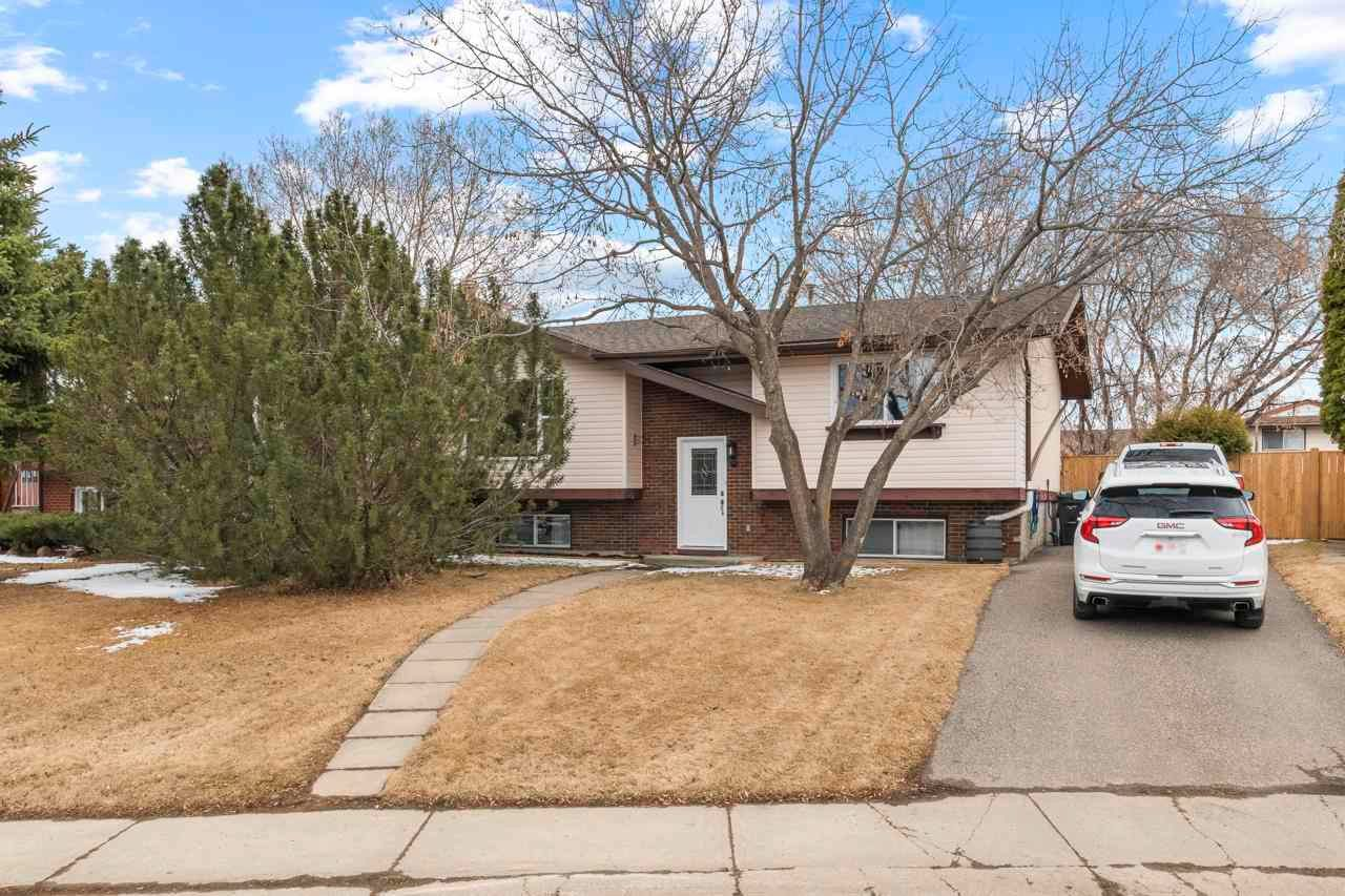 Main Photo: 9 Bruyer Crescent: Cold Lake House for sale : MLS®# E4241358