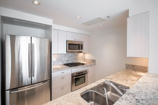 """Photo 10: 2005 590 NICOLA Street in Vancouver: Coal Harbour Condo for sale in """"The Cascina - Waterfront Place"""" (Vancouver West)  : MLS®# R2602929"""