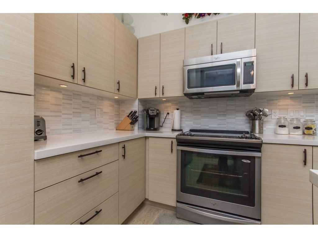 """Photo 5: Photos: 212 19201 66A Avenue in Surrey: Clayton Condo for sale in """"One92"""" (Cloverdale)  : MLS®# R2112521"""