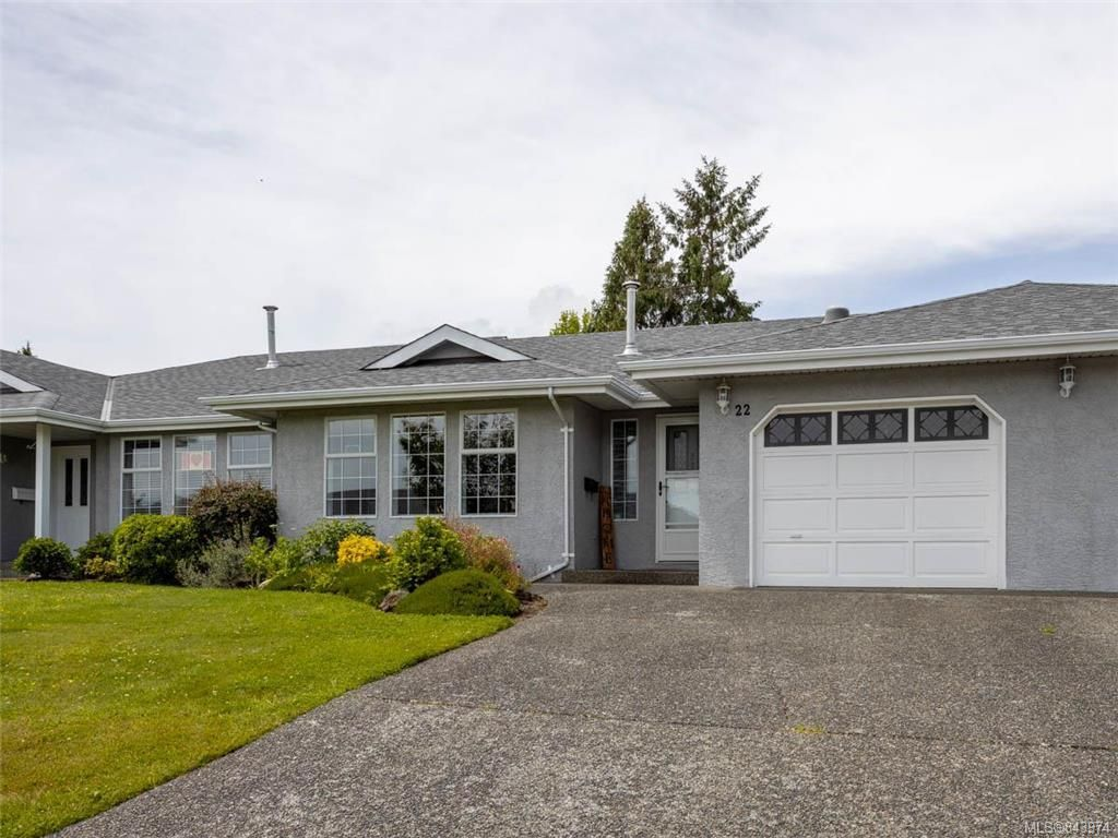 Main Photo: 22 2560 Wilcox Terr in Central Saanich: CS Tanner Row/Townhouse for sale : MLS®# 843974