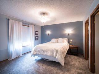 Photo 11: 208 WEST TERRACE Place: Cochrane House for sale : MLS®# C4192643