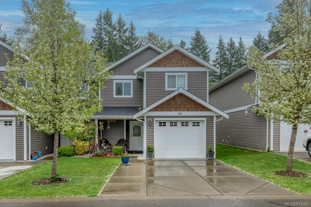 Main Photo: 20 3400 Coniston Cres in : CV Cumberland Row/Townhouse for sale (Comox Valley)  : MLS®# 874387