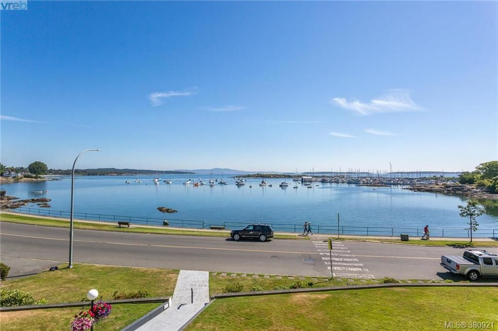 Main Photo: 308 1450 Beach Dr in VICTORIA: OB South Oak Bay Condo for sale (Oak Bay)  : MLS®# 765437