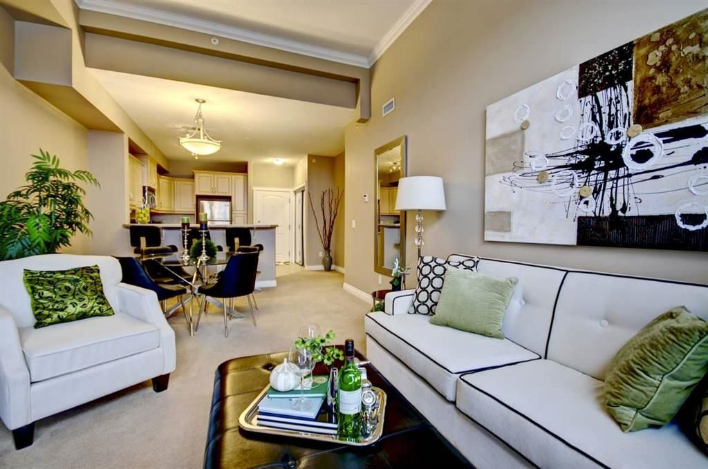 Main Photo: : Condo for sale