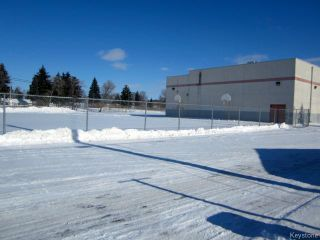 Photo 5: 731 McCalman Avenue in WINNIPEG: East Kildonan Residential for sale (North East Winnipeg)  : MLS®# 1503151