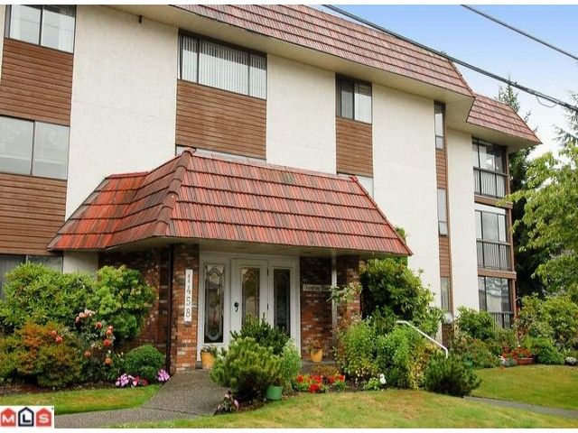 """Main Photo: 101 1458 BLACKWOOD Street: White Rock Condo for sale in """"Champlain Manor"""" (South Surrey White Rock)  : MLS®# F1022720"""