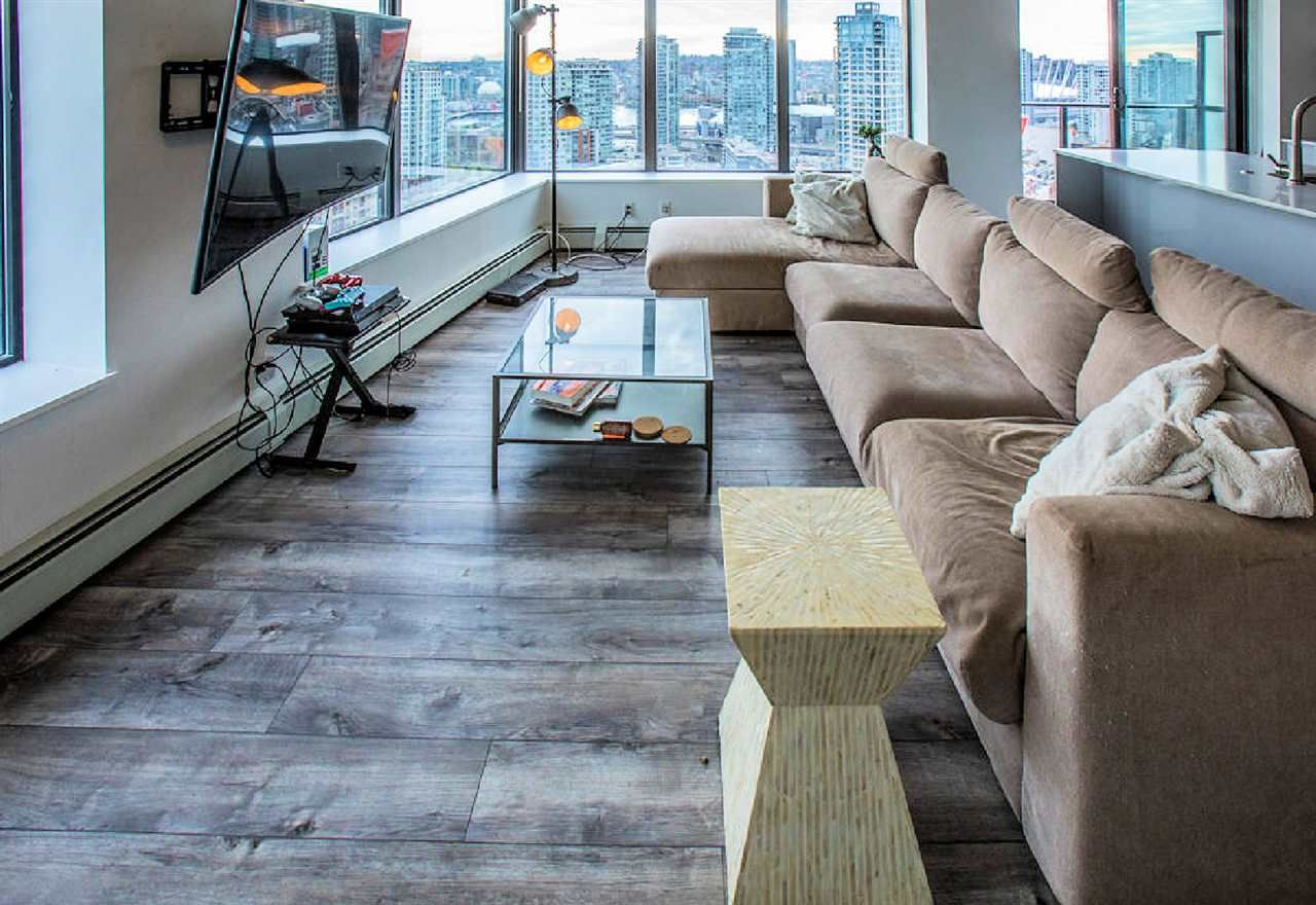 """Photo 3: Photos: 2404 108 W CORDOVA Street in Vancouver: Downtown VW Condo for sale in """"Woodwards"""" (Vancouver West)  : MLS®# R2419147"""