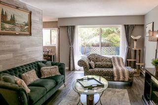 Photo 1: 101 853 Selkirk Ave in Esquimalt: Es Kinsmen Park Condo for sale : MLS®# 873411