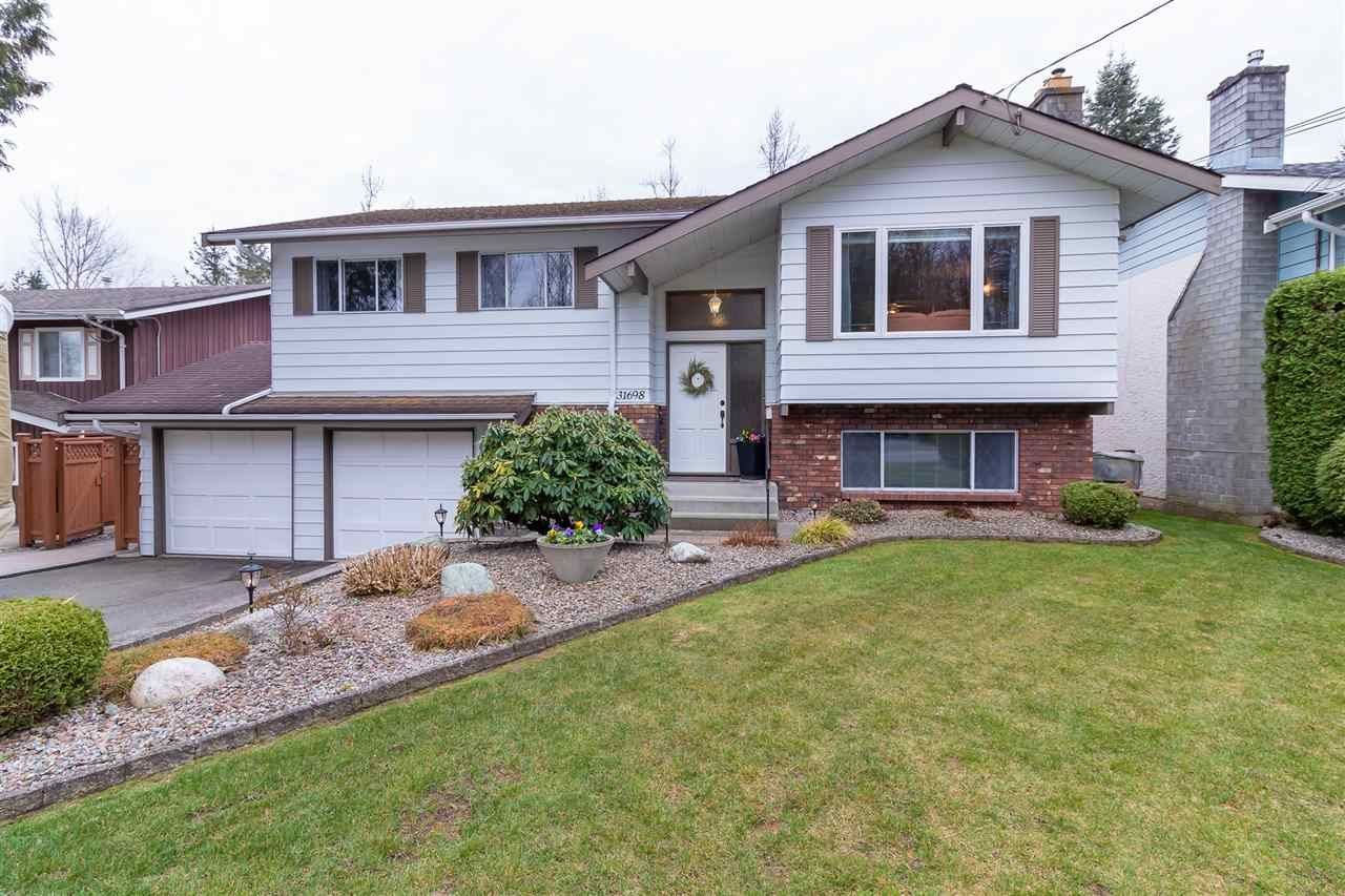 Main Photo: 31698 CHARLOTTE Avenue in Abbotsford: Abbotsford West House for sale : MLS®# R2352733