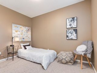 Photo 12: 1 3620 51 Street SW in Calgary: Glenbrook Row/Townhouse for sale : MLS®# C4198558