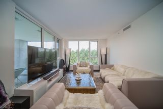 """Photo 3: 2105 3355 BINNING Road in Vancouver: University VW Condo for sale in """"Binning Tower"""" (Vancouver West)  : MLS®# R2611409"""
