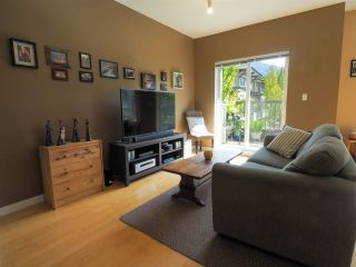 """Photo 5: 44 40632 GOVERNMENT Road in Squamish: Brackendale Townhouse for sale in """"Riverswalk"""" : MLS®# R2488805"""