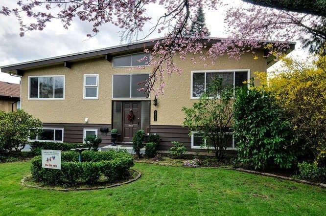 Main Photo: 13772 MALABAR AVENUE: White Rock Home for sale ()  : MLS®# R2043622