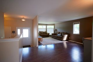 Photo 2: 19 Cadham Bay in Portage la Prairie: House for sale : MLS®# 202115588